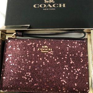 Coach wristlet brand new!!